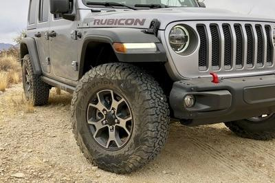 Driving the 2018 Jeep Wrangler JL - image 751435