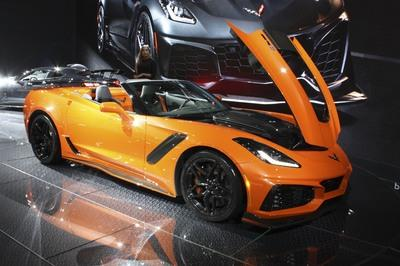 2019 Chevrolet Corvette ZR1 Convertible - image 749381