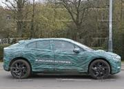 Mercedes-Benz EQC vs Jaguar I-Pace - image 750928