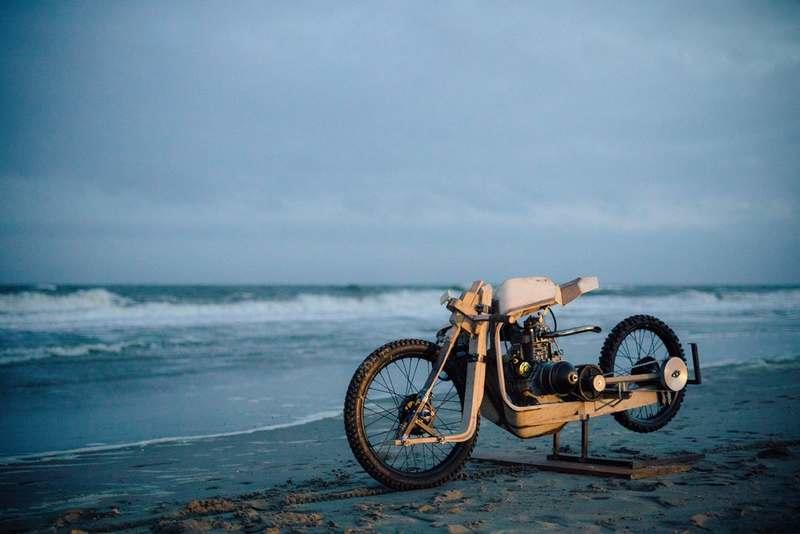 Wooden frame and algae oil is all this motorcycle needs to run