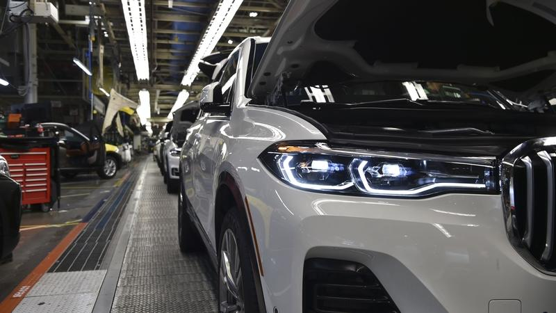 BMW X7 Goes into Production, First Teasers Released
