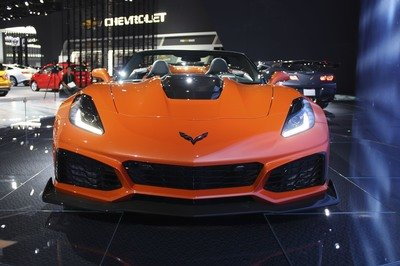 Chevrolet Corvette ZR1 Convertible: Old vs New - Almost 50 Years Apart - image 749144