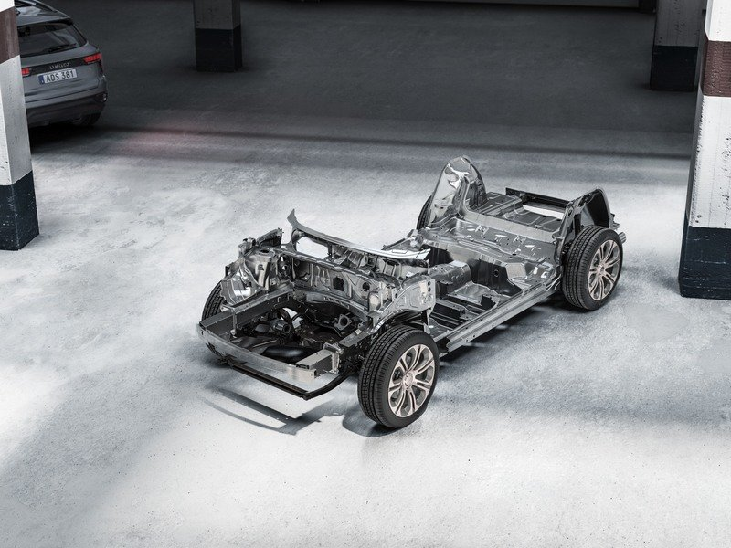 Fastest Selling Car in History is.... the Lynk & Co 01 Drivetrain - image 749070