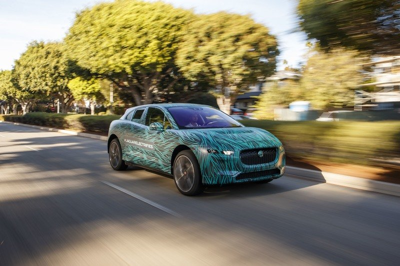 Mercedes-Benz EQC vs Jaguar I-Pace