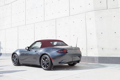 Mazda Updates the MX-5 For 2018; Adds Dark Cherry Soft Top Color - image 753894