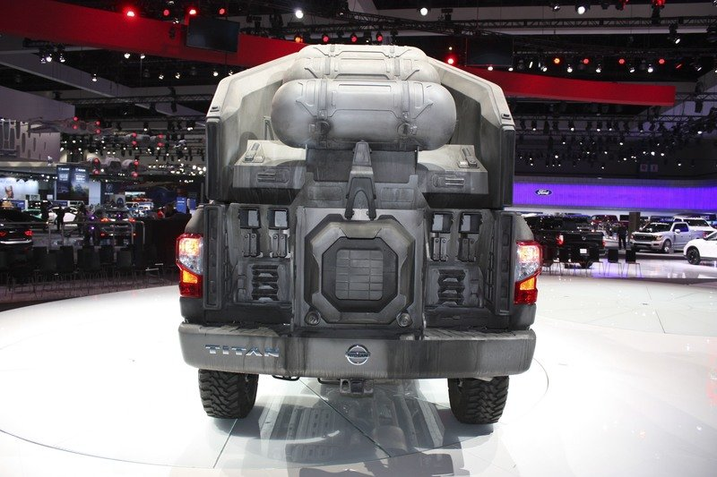 2018 Nissan Titan AT-M6 Walker