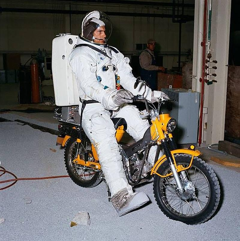 Suzuki might just be the first to put a motorcycle on the moon - image 753451