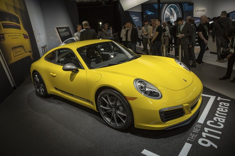 The Porsche 911 T Goes on a Diet, Proves Porsche can Reshuffle its Deck
