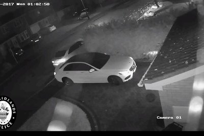 Thieves Steal Mercedes in Under 60 Seconds - image 749093