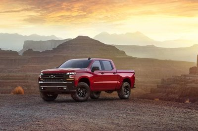 New vs. Old: Exterior Updates to the 2019 Chevrolet Silverado - image 753284