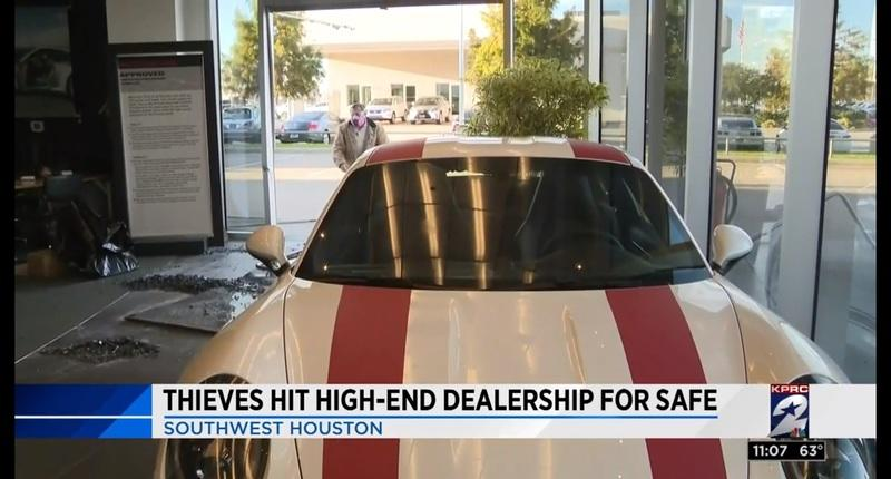 Wannabe Burglars Crash Truck into a Porsche Dealership, Leave on Foot