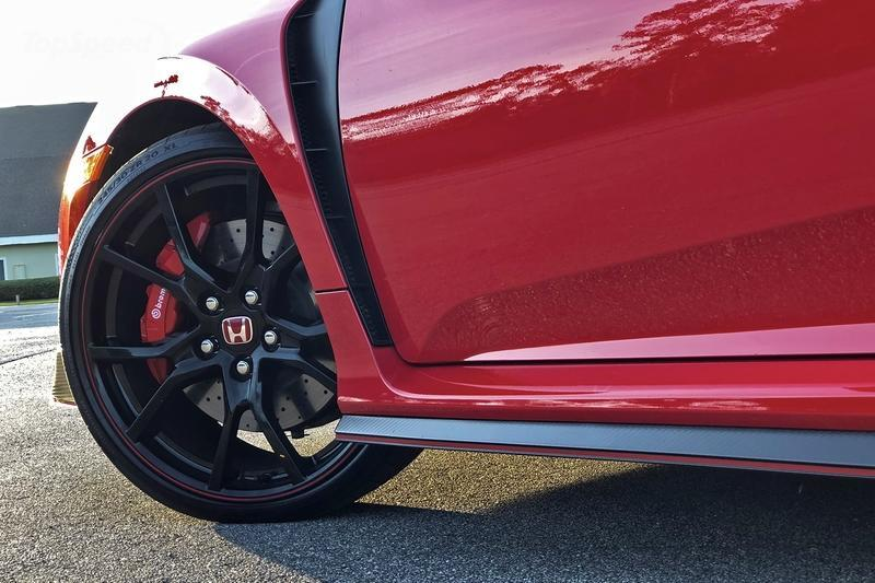 2017 Honda Civic Type R: Life Behind the Wheel Exterior - image 754498