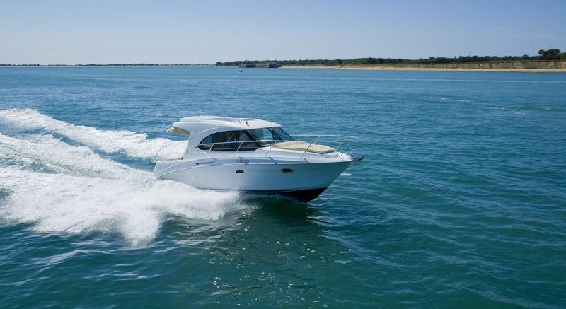 2017 Beneteau Antares 30S Exterior High Resolution - image 756042