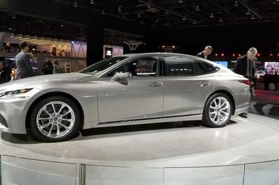 2018 Lexus LS Pricing Unveiled in Detroit: Significantly More Affordable Than Mercedes S-Class - image 759420