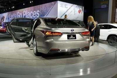 2018 Lexus LS Pricing Unveiled in Detroit: Significantly More Affordable Than Mercedes S-Class - image 759425