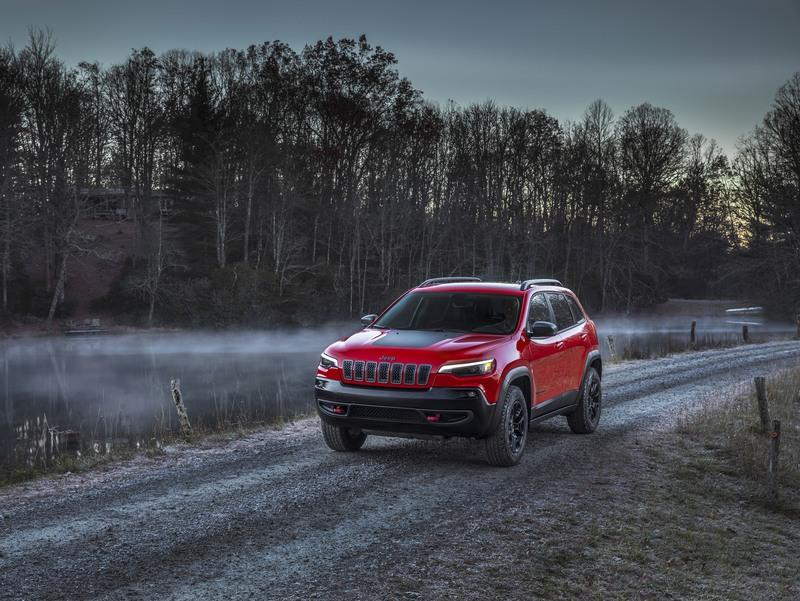 Wallpaper of the Day: 2019 Jeep Grand Cherokee