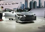 Toyota Takes High-Tech Approach With New Avalon Hybrid - image 758792