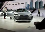 Toyota Takes High-Tech Approach With New Avalon Hybrid - image 758794