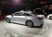 Toyota Takes High-Tech Approach With New Avalon Hybrid - image 758795