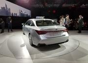 Toyota Takes High-Tech Approach With New Avalon Hybrid - image 758797