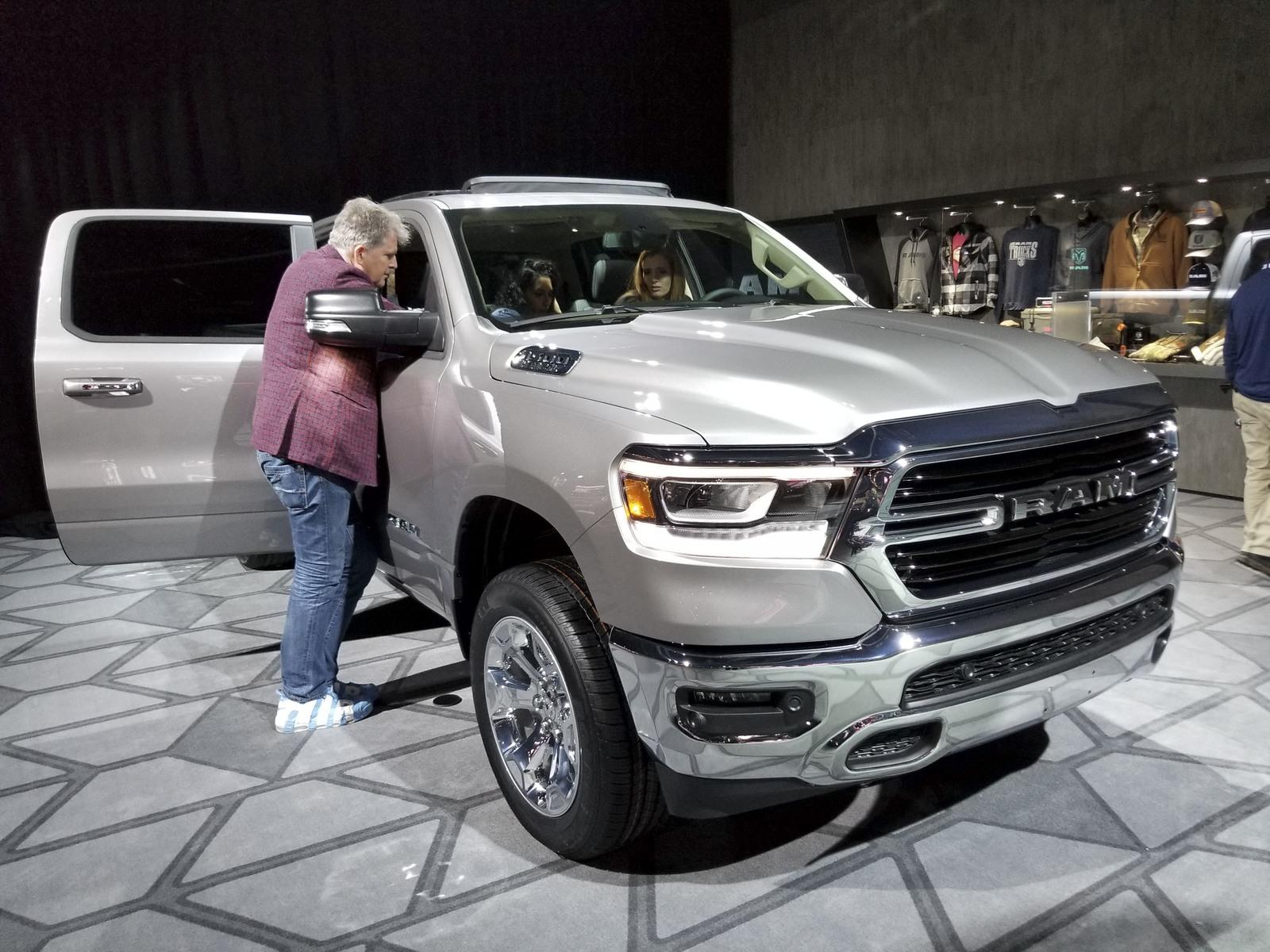 All New 2019 Ram 1500 Steals The Show At Detroit Pictures