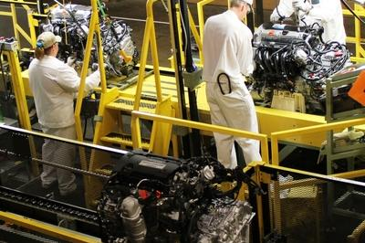 Automakers Say Manufacturing Jobs Are Safe From Robot Takeover, For Now - image 763410