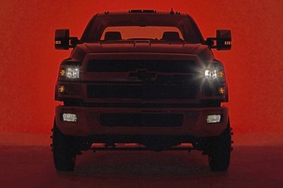 Chevy Drops Teaser of Silverado 4500 and 5500 Prior to March Debut - image 757639
