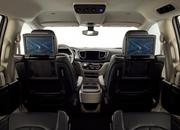 Chrysler to Send Thousands of Pacifica Minivans to Waymo - image 764219