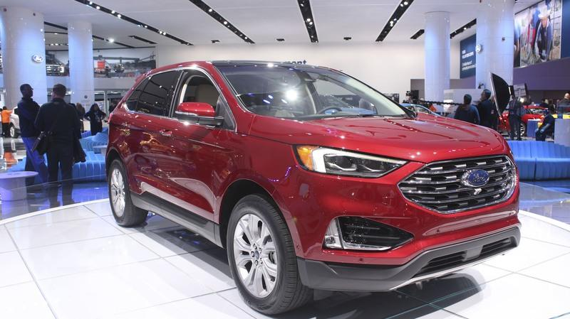 The  Ford Edge St Is Fine But The Base Model Is The Better Buy