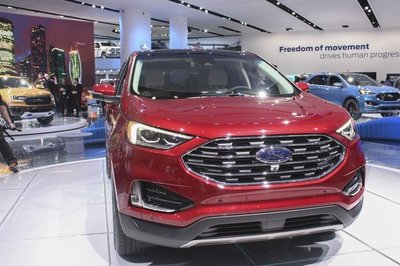 2019 Ford Edge - image 762316