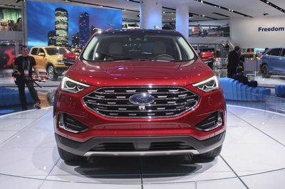 2019 Ford Edge - image 762317