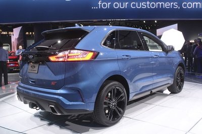 Ford Edge ST Takes Detroit by Storm - image 759185