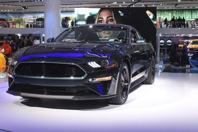 First-Production Ford Mustang Bullitt Sells for $300,000 - image 760009
