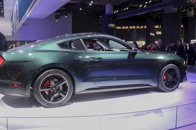 First-Production Ford Mustang Bullitt Sells for $300,000 - image 760019