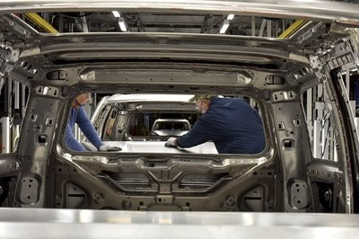 Ford Posts Weak Profits, Aluminum Costs Partially To Blame - image 763623