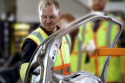 Ford Posts Weak Profits, Aluminum Costs Partially To Blame - image 763624