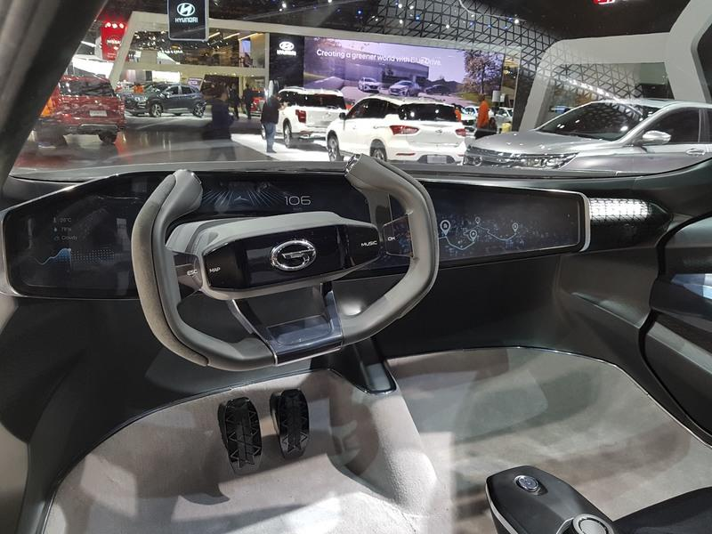 GAC Enverge Wows Detroit with Virtual Reality Windows and Removable Foglamps