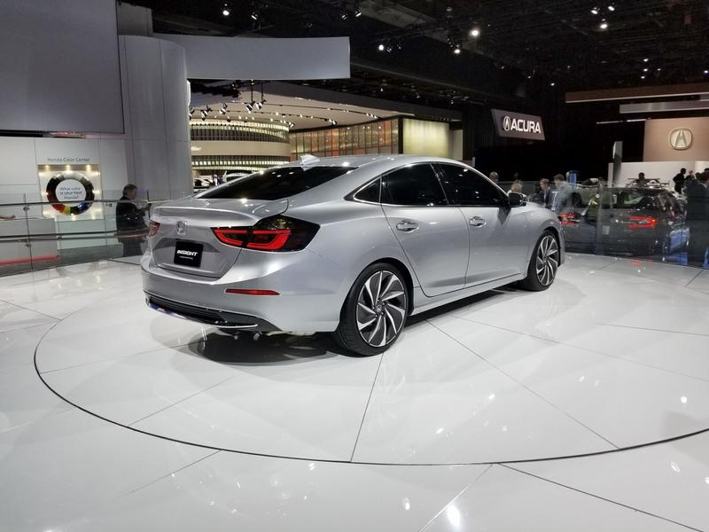 Honda Insight Returns to Take on the Toyota Prius with Sleek Design, High-Tech Interior Exterior - image 758743