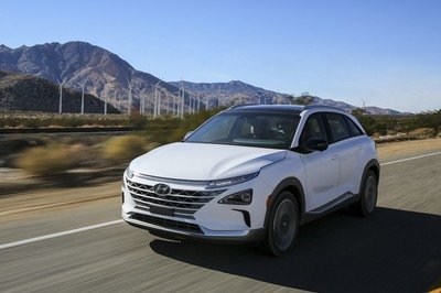 Hyundai's Hydrogen-powered Nexo Has Better Mileage than a Tesla - image 756408