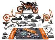 KTM unveils a limited edition RC 390 and a race-spec SSP300 kit - image 763490