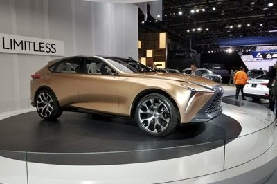 The Lexus LF-1 Limitless Is the Ultimate Luxury Crossover - image 758451