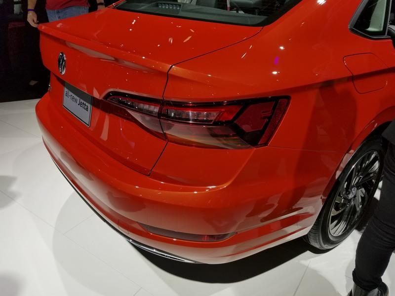New VW Jetta Bows in Detroit, Redefines Compact Segment with Premium Features