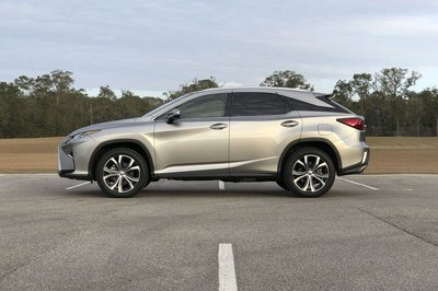 What it's Like to Daily Drive the Lexus RX350 - image 763376