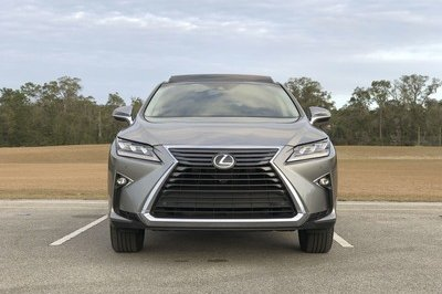 What it's Like to Daily Drive the Lexus RX350 - image 763383