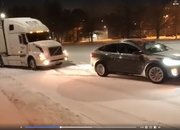 Tesla Model X Pulls Stuck Volvo Semi Out Of The Snow: Video - image 755976