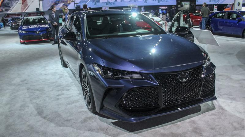 The New Toyota Avalon Is Basically A Grille On Wheels