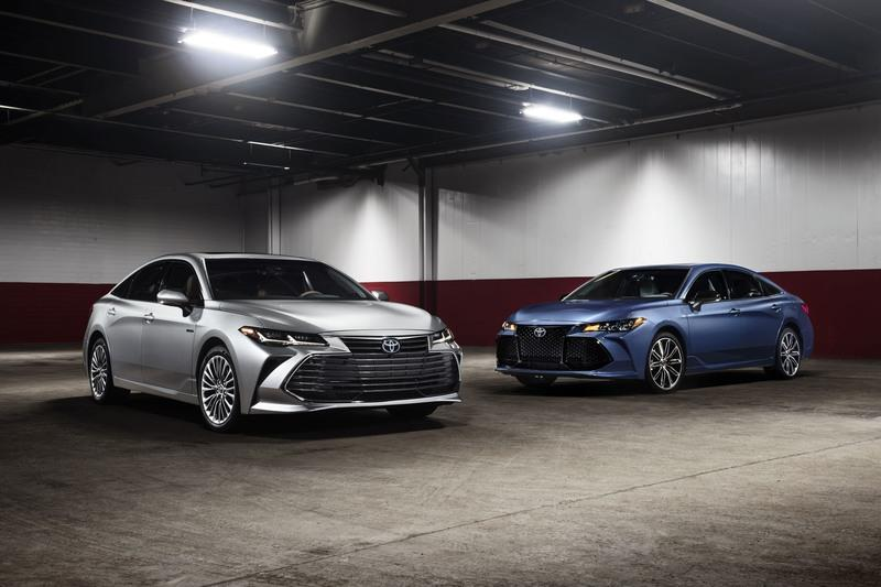 Test Drive: The 2019 Toyota Avalon Hybrid Has Some Surprising Punch