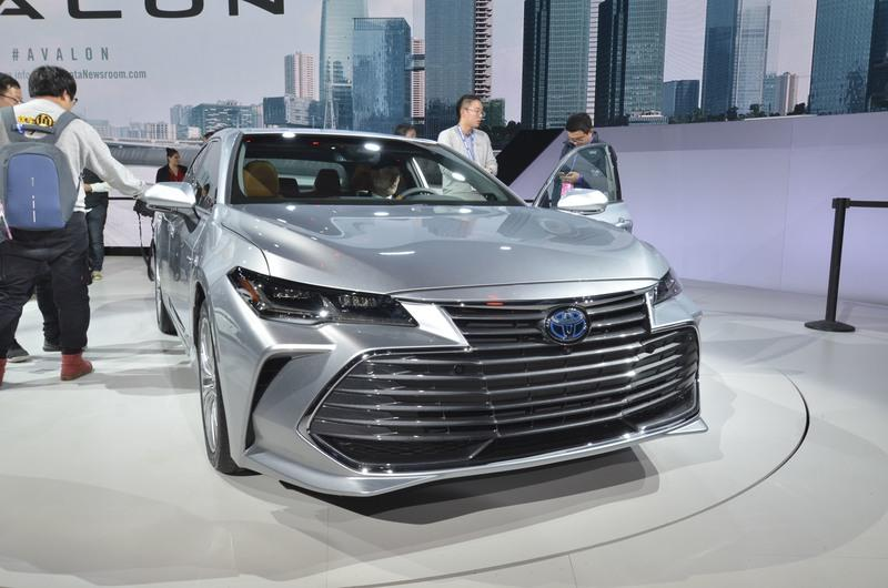 Toyota Takes High-Tech Approach With New Avalon Hybrid Exterior - image 759138