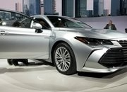 Toyota Takes High-Tech Approach With New Avalon Hybrid - image 759139