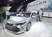 Toyota Takes High-Tech Approach With New Avalon Hybrid - image 759137